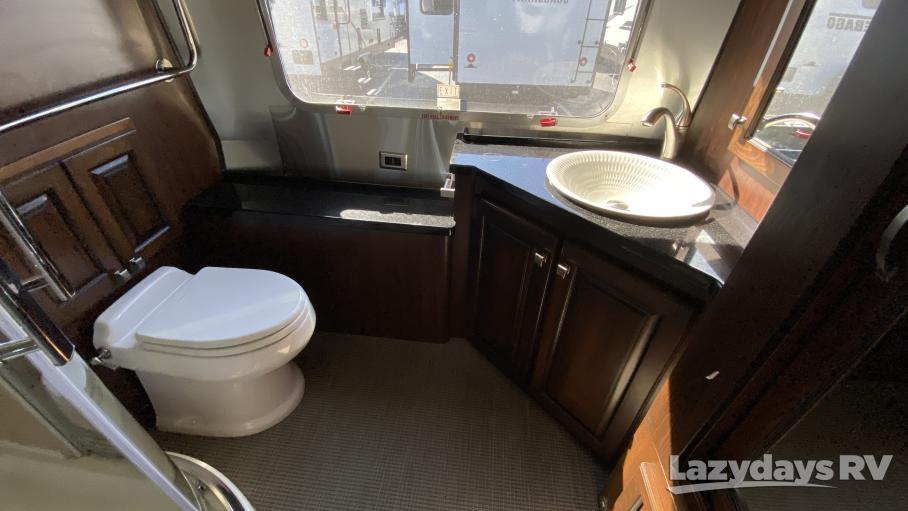 2018 Airstream RV Classic 33FB