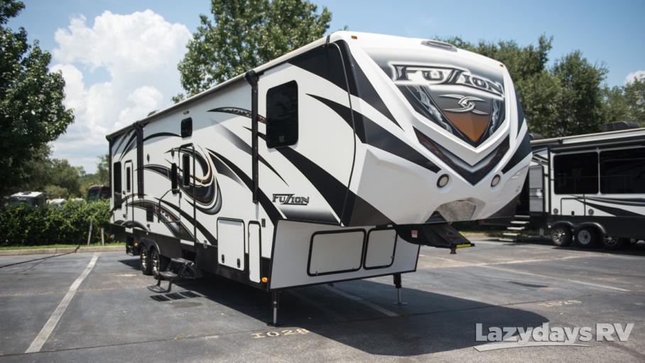 2015 Keystone RV Fusion M-404