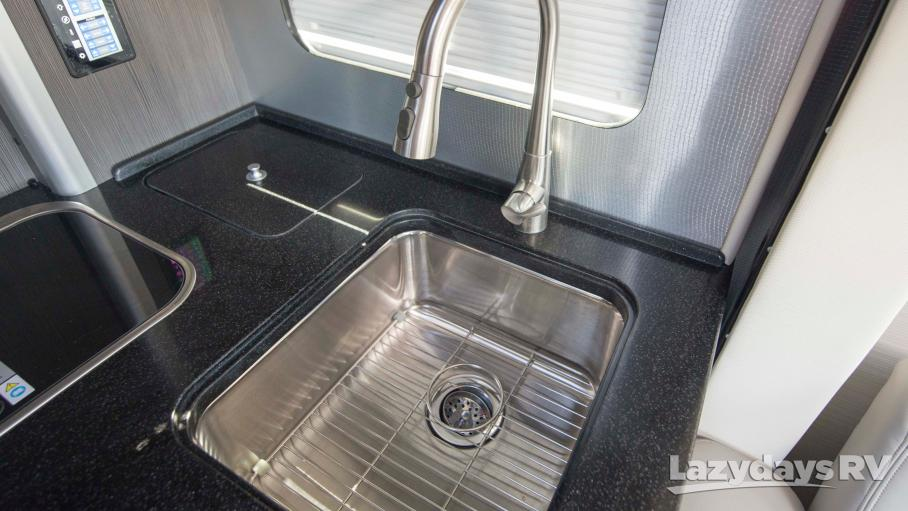 2020 Airstream Atlas Murphy Suite