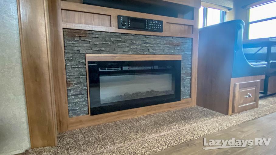 2018 Forest River RV Rockwood Signature Ultra Lite 8332BS
