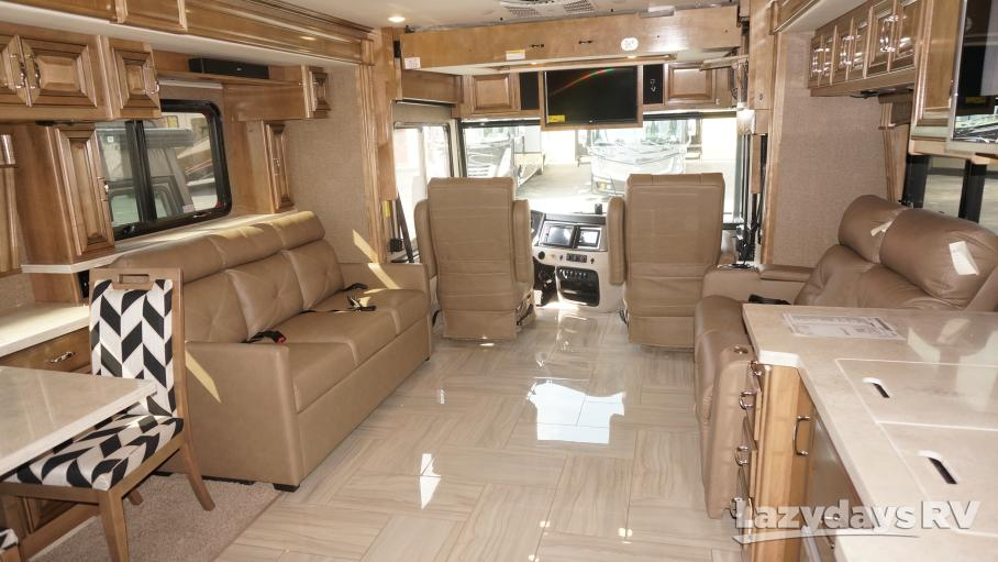 2020 Fleetwood RV Discovery 38W