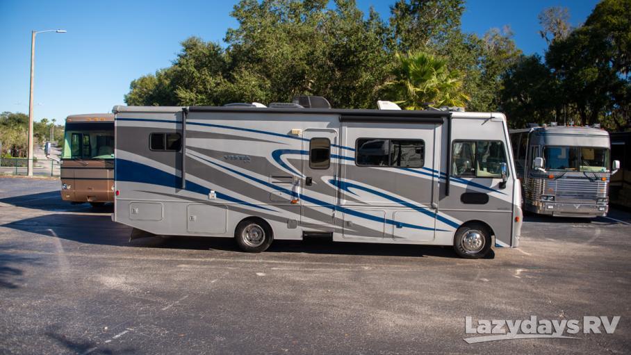 2016 Winnebago Vista LX 30T