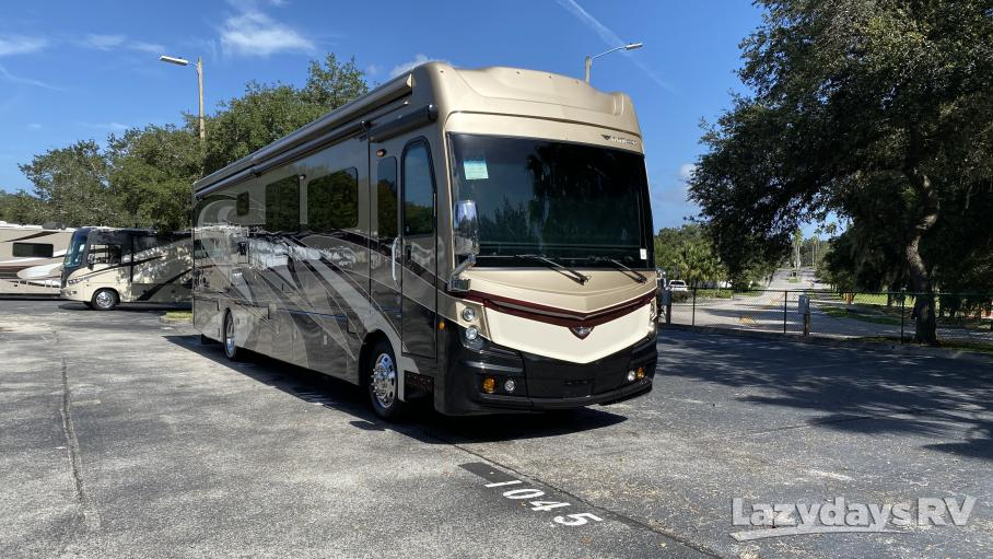 2018 Fleetwood RV Discovery LXE