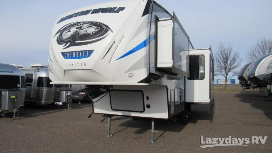 2019 Forest River Arctic Wolf 265DBH