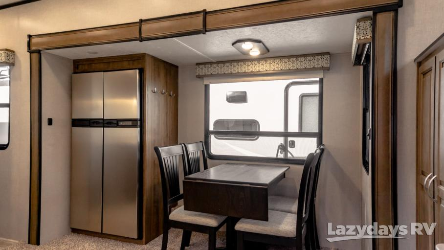 2019 Coachmen Chaparral 370FL