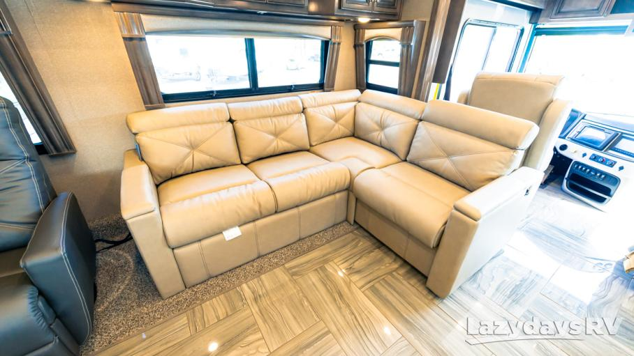 2020 Fleetwood RV Discovery 38F
