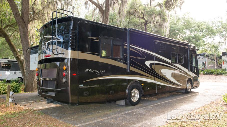 2015 Tiffin Motorhomes Breeze 32BR