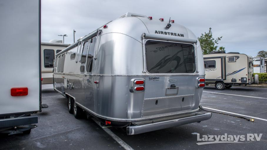 2019 Airstream Flying Cloud 30RB