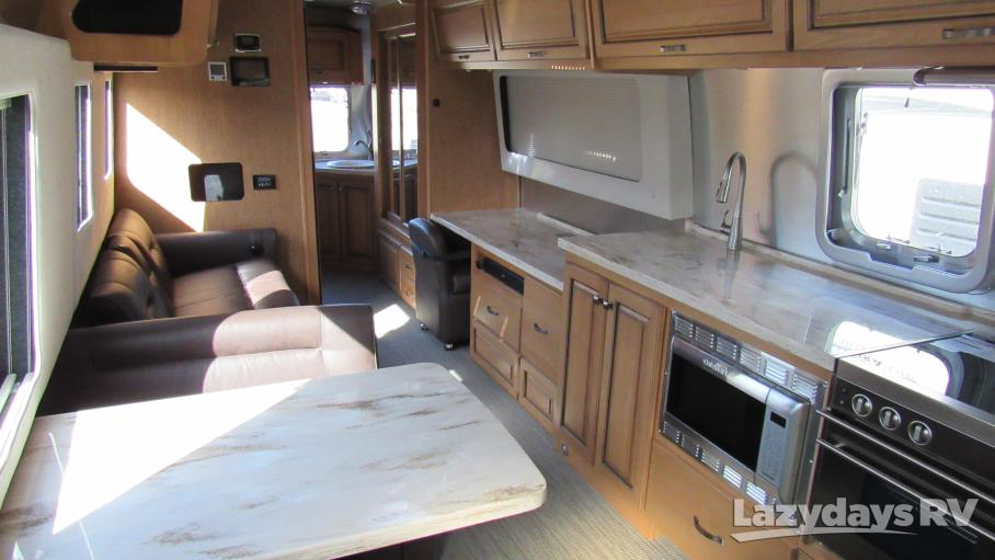 2018 Airstream Classic 33TWIN