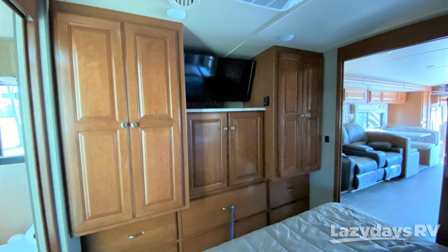 2020 Winnebago Adventurer Motor Home