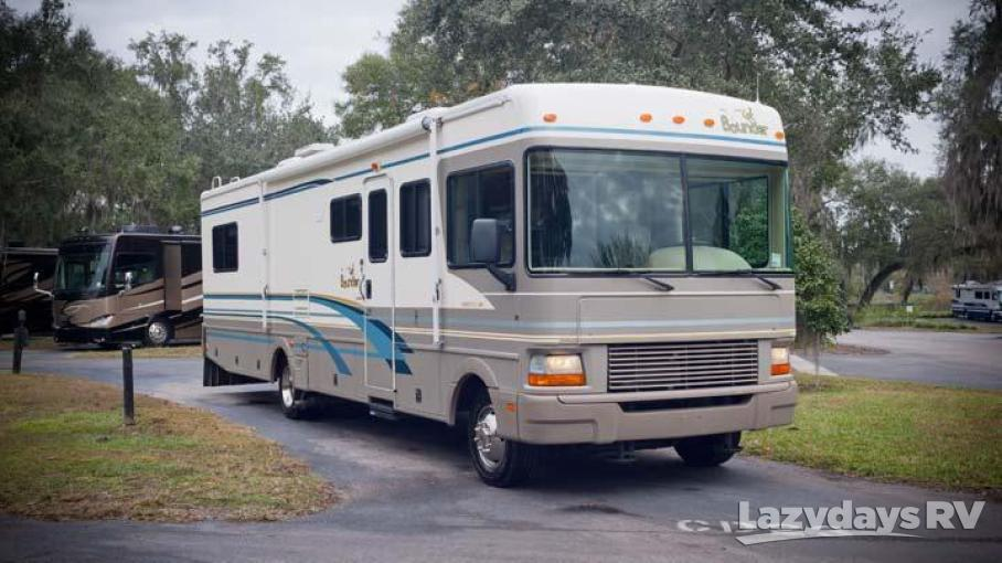 2000 Fleetwood RV Bounder 34D