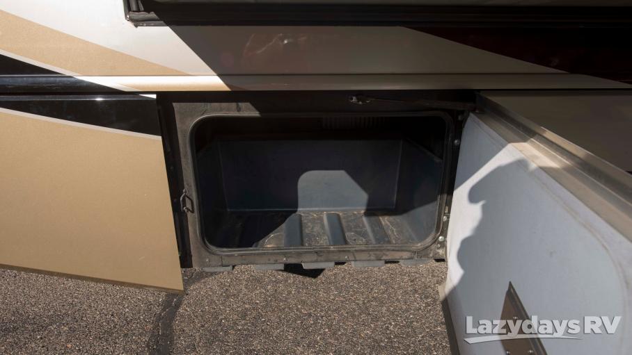 2014 Fleetwood RV Bounder 36E
