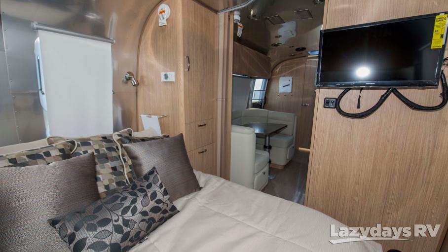 2019 Airstream Flying Cloud 23FB