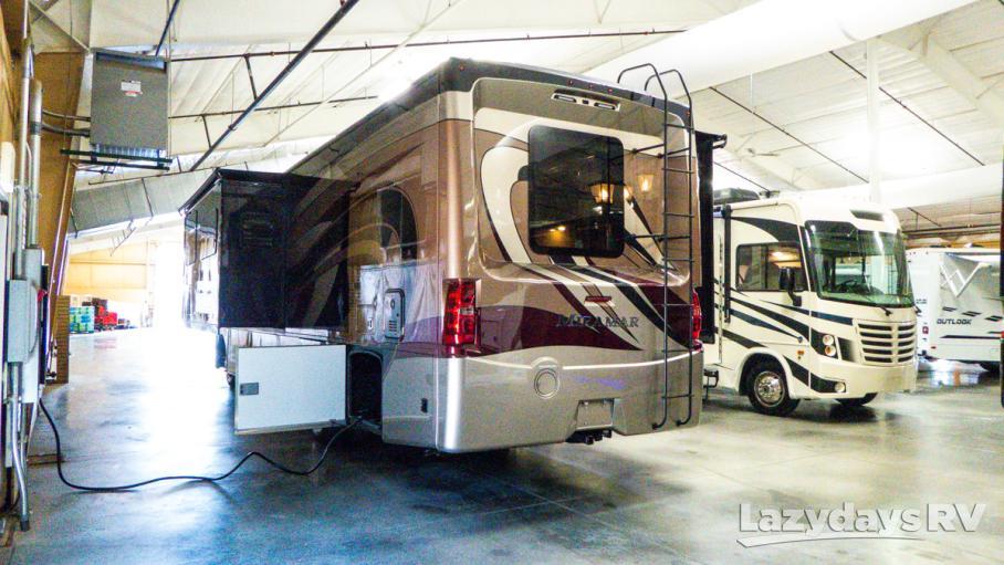 2020 Thor Motor Coach Miramar 35.2