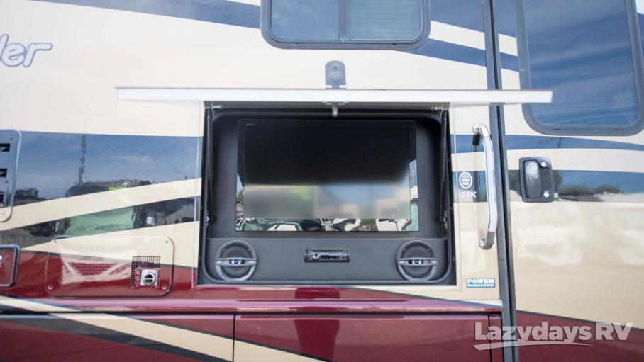 2013 Fleetwood RV Bounder 35K