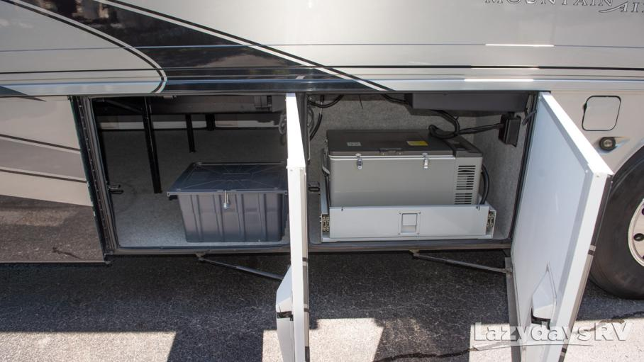 2008 Newmar Mountainaire 4521