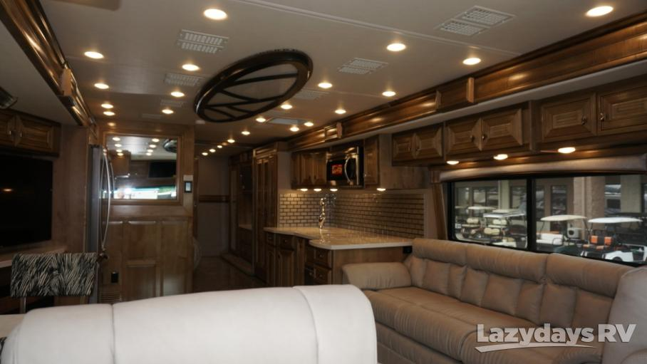 2019 Fleetwood RV Discovery LXE 40D