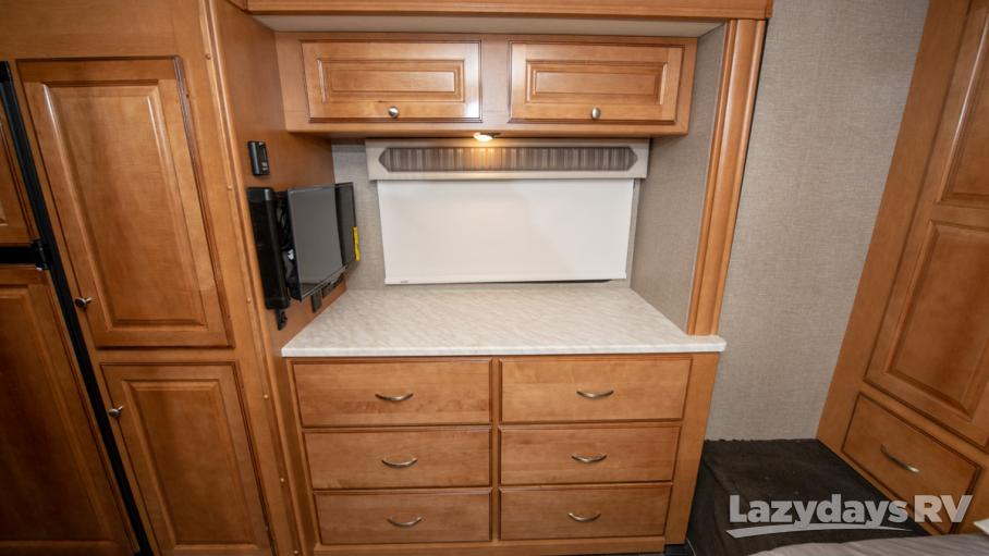 2019 Winnebago Adventurer 27N