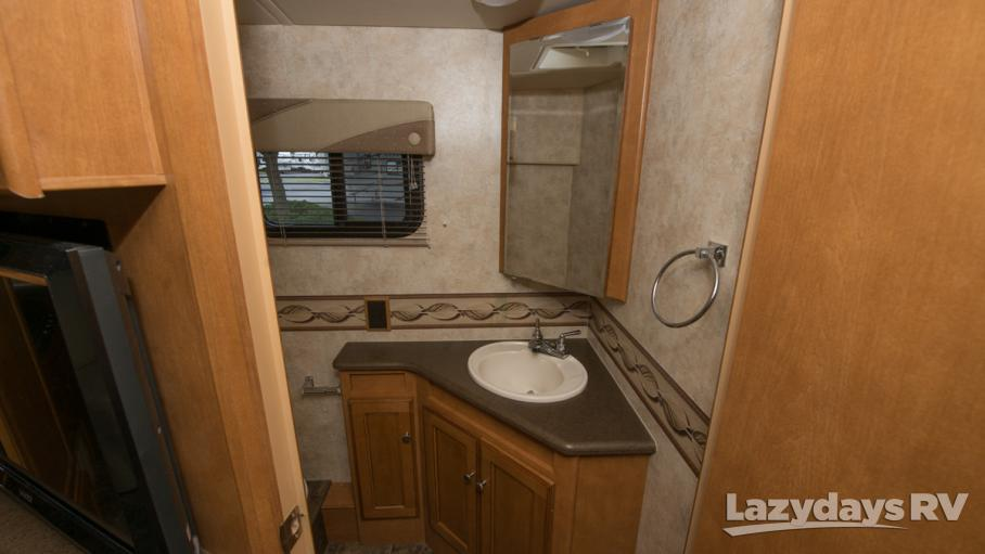 2012 Winnebago Vista 35F