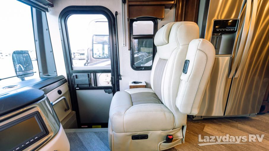 2020 Fleetwood RV Pace Arrow LXE 38N