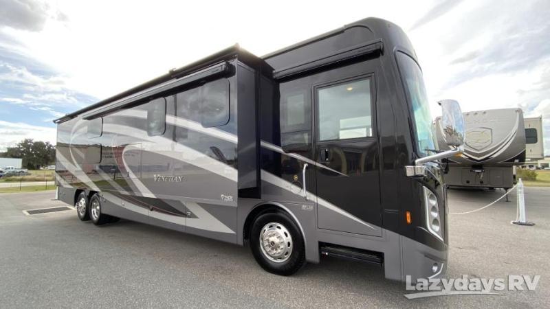 2021 Thor Motor Coach Venetian