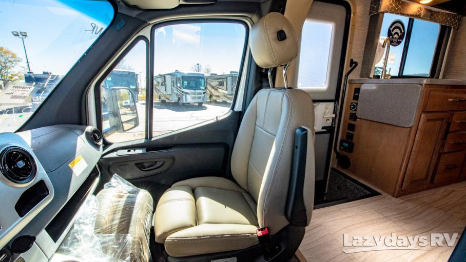 2021 Thor Motor Coach Quantum KM24