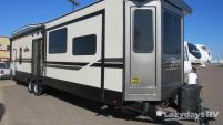 2019 CrossRoads RV Hampton