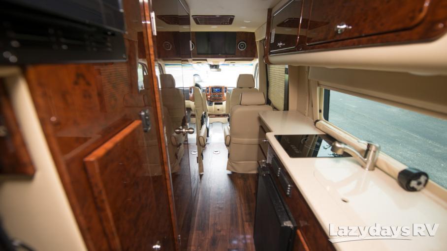 2019 American Coach Patriot 170EXT