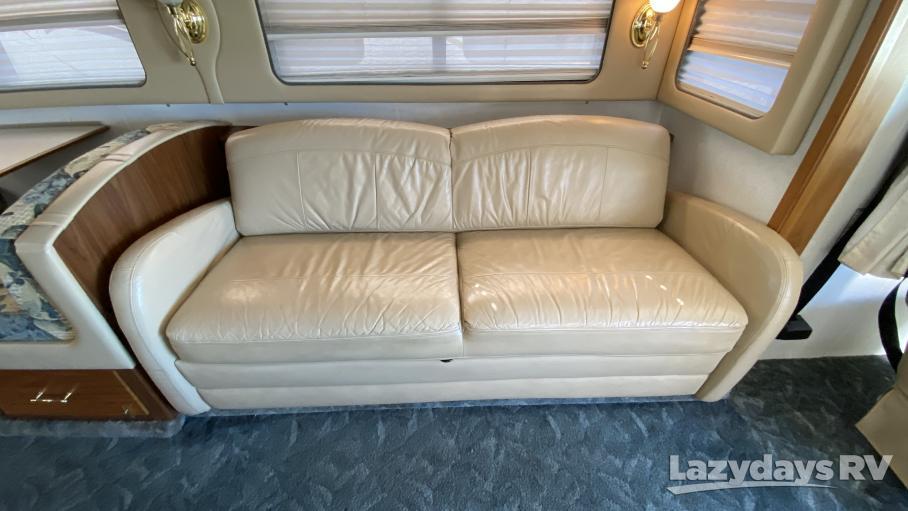 2000 Fleetwood RV Discovery 37V