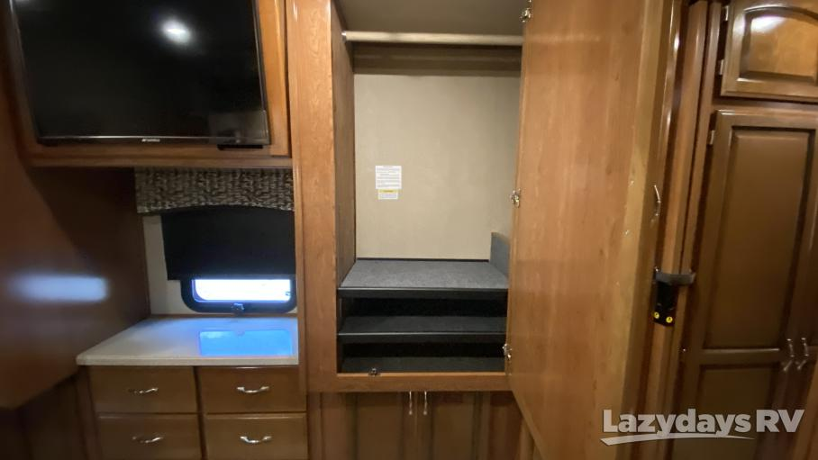 2018 Holiday Rambler Vacationer XL Gas 32A