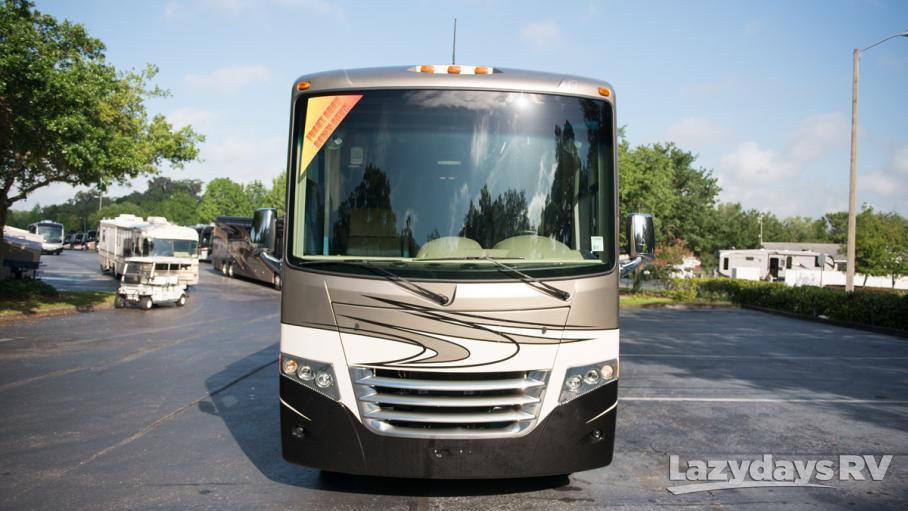 2015 Thor Motor Coach Miramar 32.1