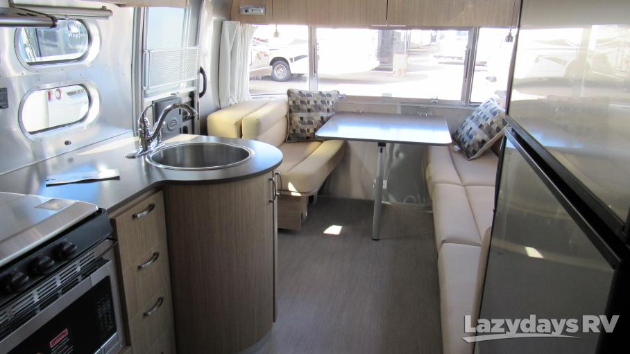 2019 Airstream Flying Cloud 25FB Twin