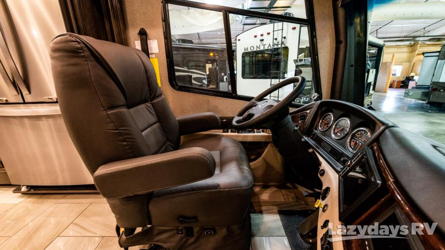 2019 Fleetwood RV Discovery LXE 40G