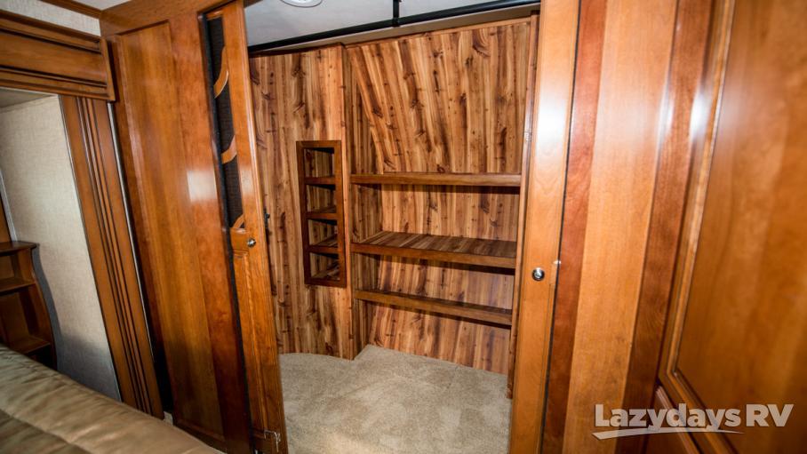 2017 Redwood RV Redwood 38RL