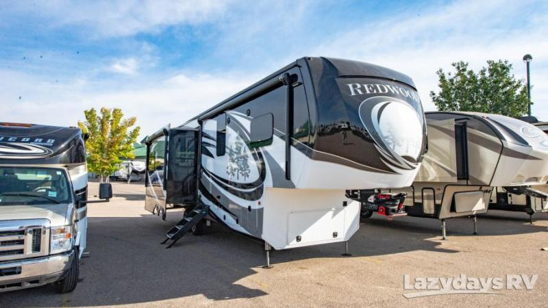 2018 Crossroads RV Redwood