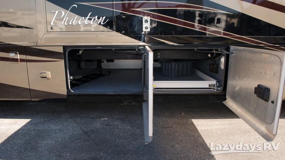 2012 Tiffin Motorhomes Phaeton 40QTH