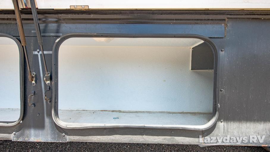 2013 Fleetwood RV Bounder Classic 35K