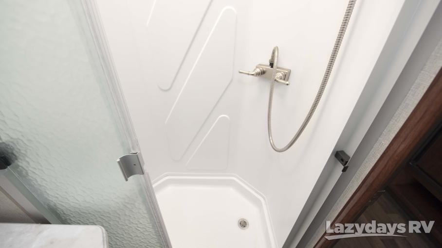 2018 Fleetwood RV AXON 29M