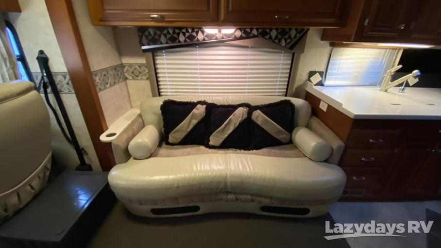 2005 Fleetwood RV Revolution 40J