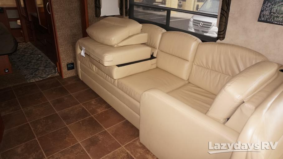 2013 Thor Motor Coach Serrano 34M