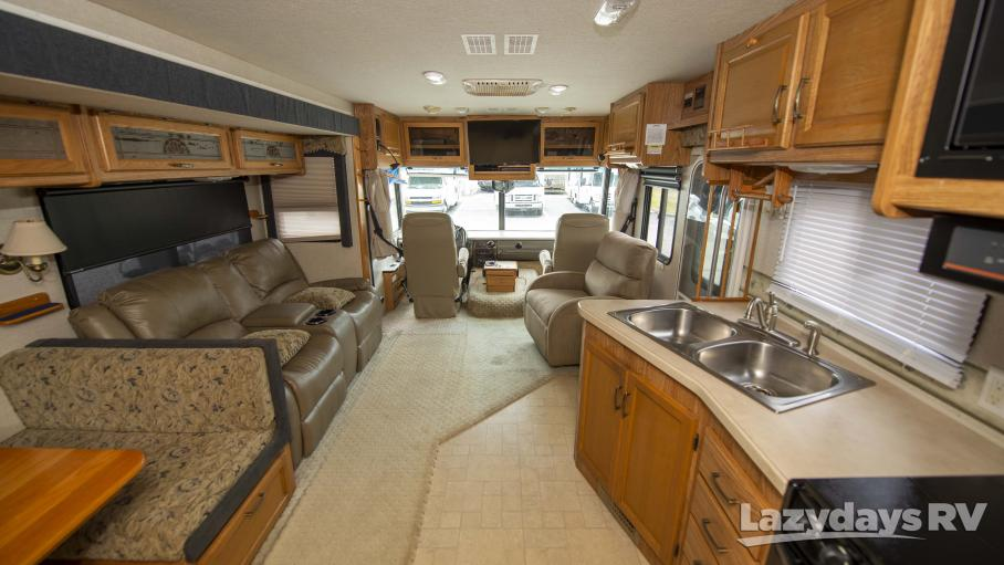 2005 Fleetwood RV Flair 33R