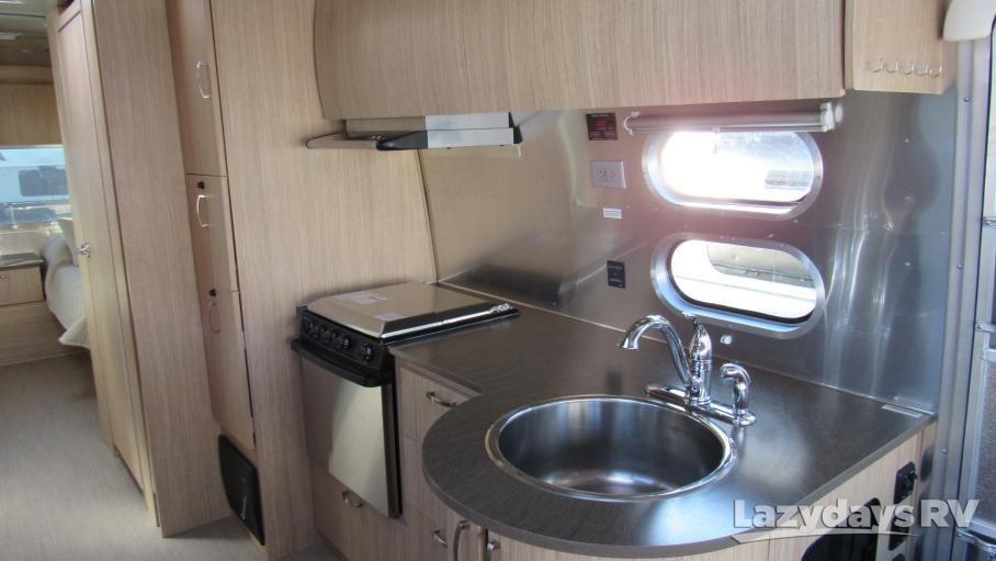 2019 Airstream Flying Cloud 27FB Twin