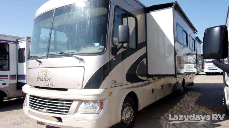 2011 Fleetwood RV Bounder Classic 36R