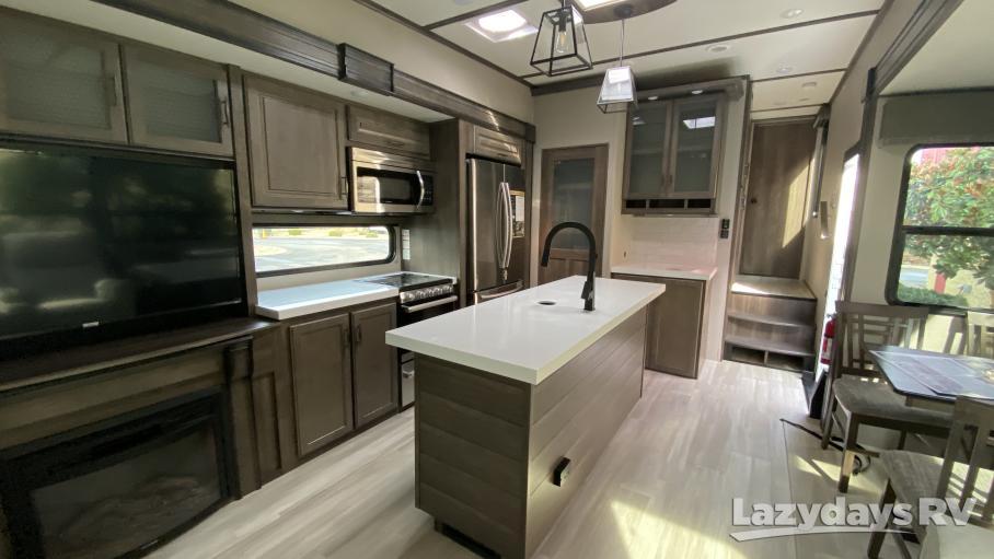 2021 Grand Design Solitude S-Class 3550BH-R
