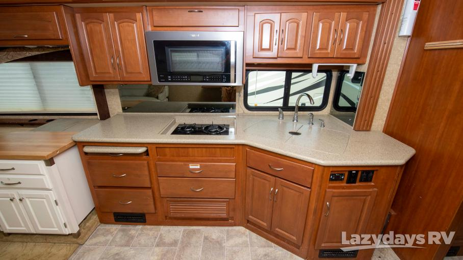 2011 Fleetwood RV Pace Arrow LXE 38P